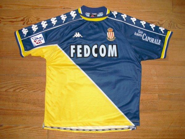 Maillot extérieur saison 1999-2000 floqué LEGWINSKI (de face)