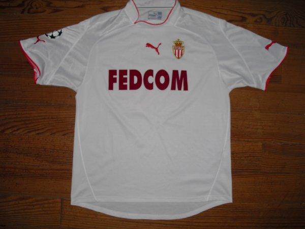 Maillot extérieur saison 2003-2004 floqué MORIENTES (de face)