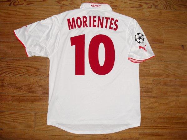 Maillot extérieur saison 2003-2004 floqué MORIENTES (de dos)