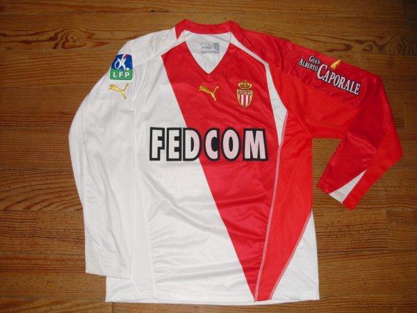 Maillot domicile saison 2004-2005 floqué ZIKOS (de face)