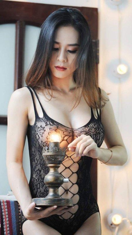 La femme est le rayon de la lumière divine