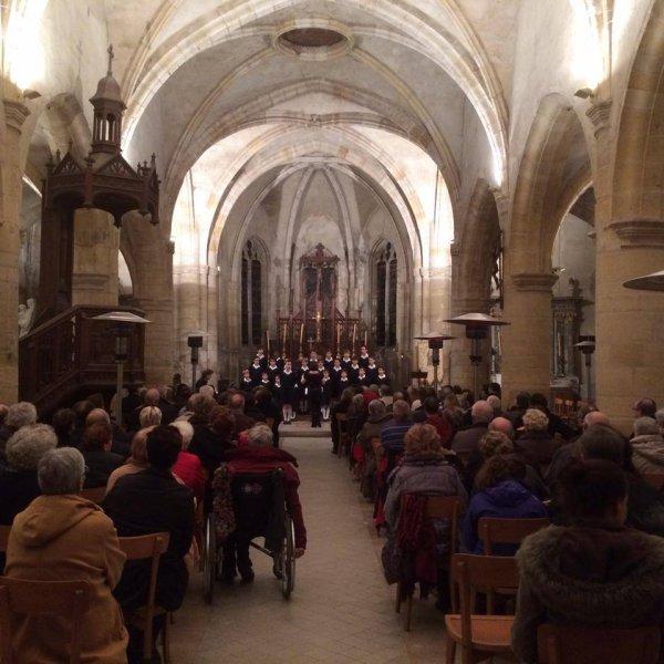 Église comble et Standing Ovation ce soir pour les Petits Chanteurs de France à Vienne le Château!