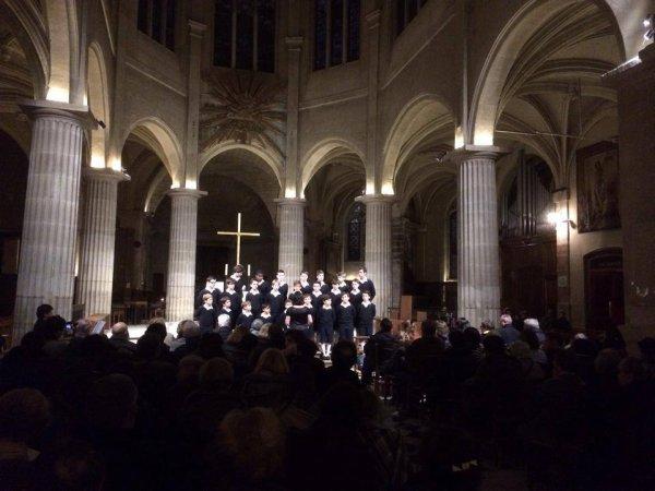 Heures musicales de Noël à St Medard. Merci au Père Emmanuel Boudet pour son accueil