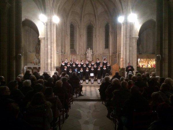 Merci au Père Arnaud Montoux pour son accueil dans sa paroisse de Pont sur Yonne