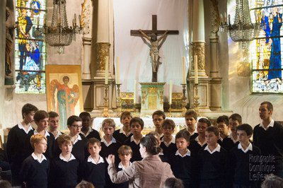 Les Petits Chanteurs de France à l'église Saint Pierre au Mont-Saint-Michel
