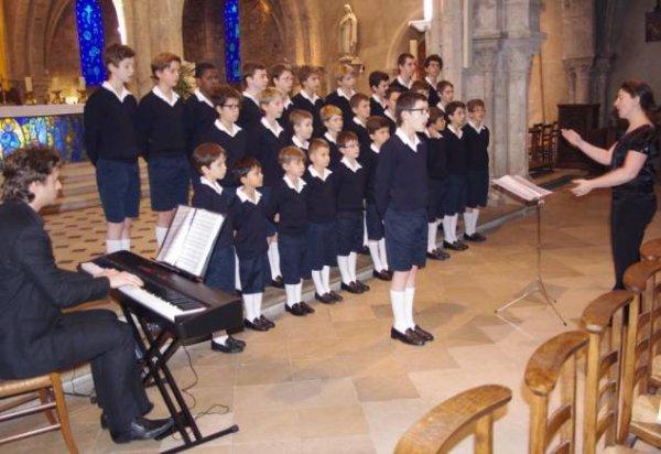 Pacy-sur-Eure : les Petits Chanteurs de France en concert en l'église