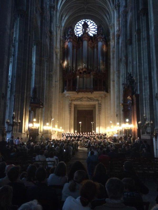 Eglise pleine pour le concert de la Légion Étrangère et des Petits Chanteurs !