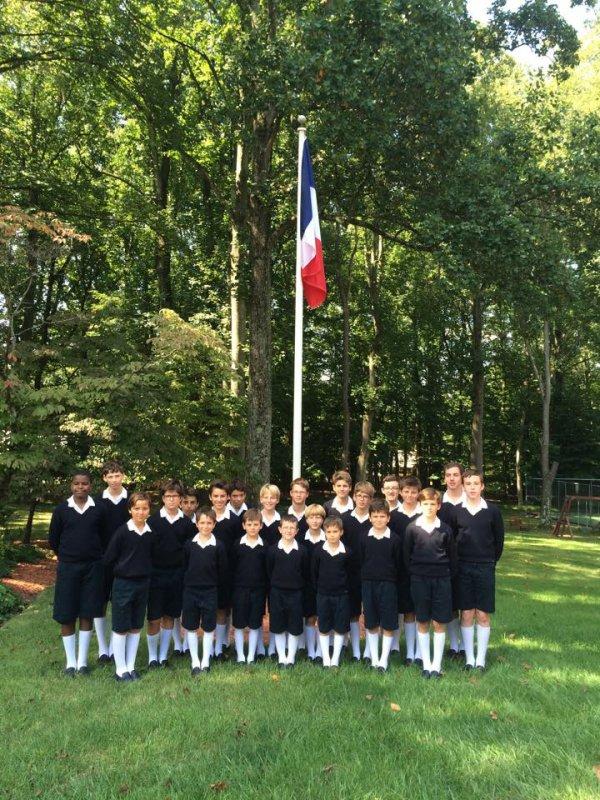 Les Petits Chanteurs de France sont tres bien arrivés à Paris, la tournée USA 2015 est maintenant terminée!