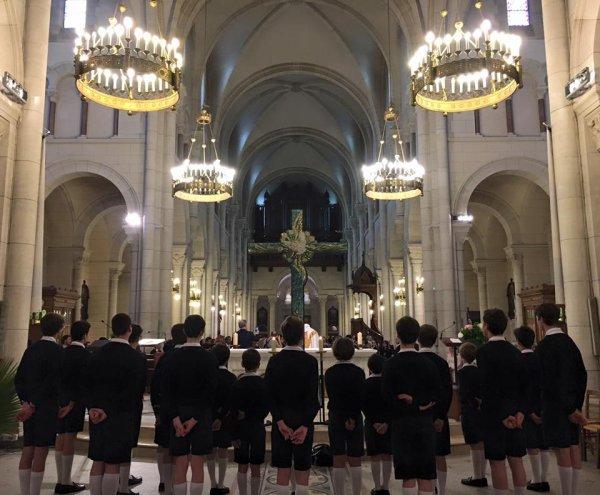 Les Petits Chanteurs de France ont chanté un mariage aujourd'hui