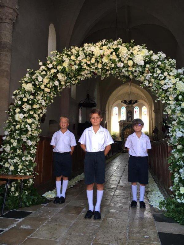 Avant de prendre la route pour Joigny, les Petits Chanteurs ont animé un mariage ce matin