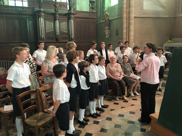 Animation de la messe ce matin à Pont-sur-Yonne avec la chorale paroissiale