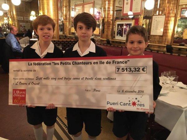 Les Petits Chanteurs de France participent à la remise de chèque