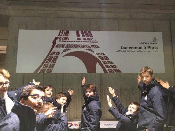 Les Petits Chanteurs de France sont très bien arrivés à Paris