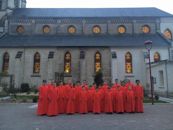 20:40 accueil du Maire à Givenchy en Gohelle pour notre 1er concert de tournée