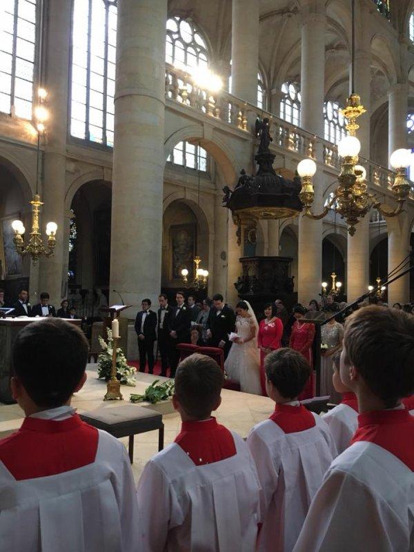 De service pour animer une messe de mariage à st Etienne-du-Mont