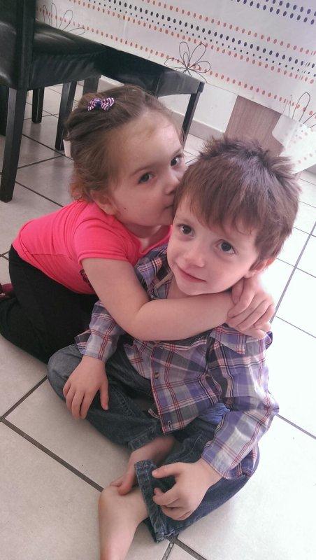 Ma fille yvannah et mon fils nolhan