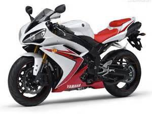 future moto dans 15 jours dans le garage , humm terrible