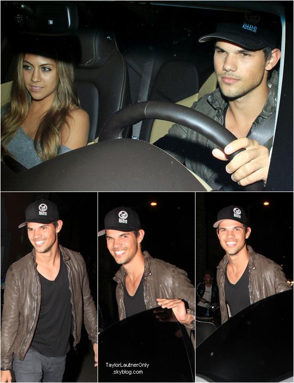 . Taylor et Sara Hicks à la sortie d'un restaurant à Los Angeles ce 30 avril : .