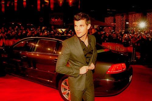 . Le nouveau projet de Taylor et une possible apparition au Festival de Cannes :.