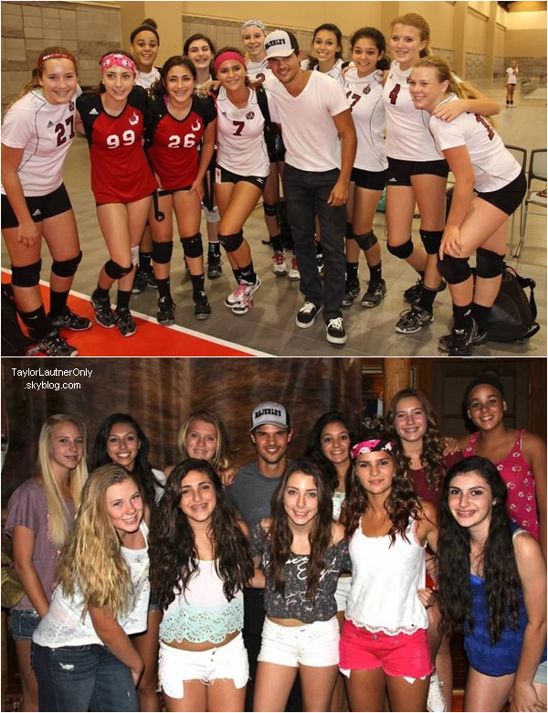 . Taylor pose avec l'équipe de sa soeur, Makena, lors de son tournoi de volley : .