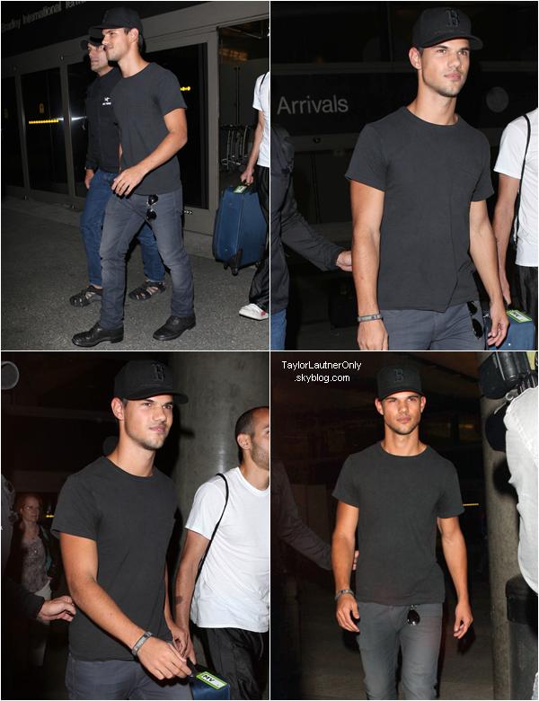. Taylor poursuit la promo de Twilight au Brésil les 24 et 25 octobre : _♥.