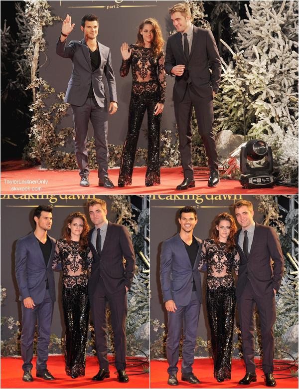 . Le trio était à Londres pour l'avant première de Breaking Dawn - Partie 2 ♥ .