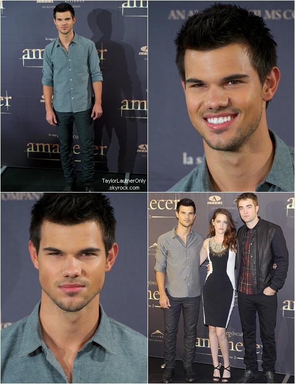 . Taylor continue la promo en Espagne, il a participé a un photocall avec Kristen et Robert ♥.