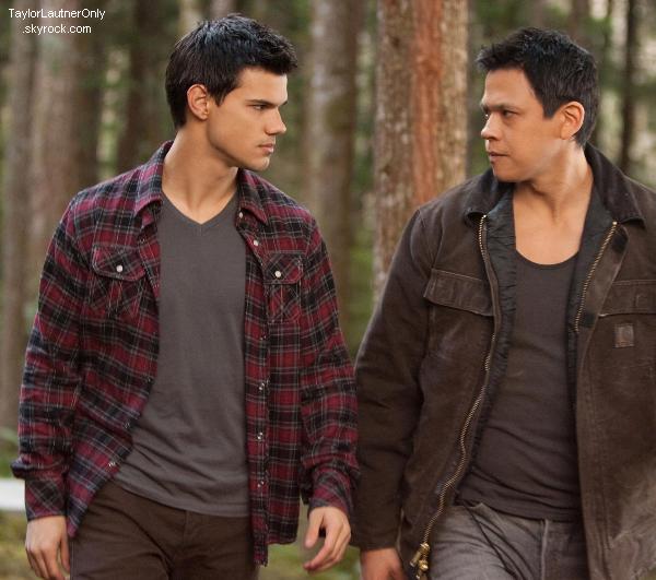 . Des nouveaux stills de Twilight - Révélation - Partie 2 ont fait leur apparition :.