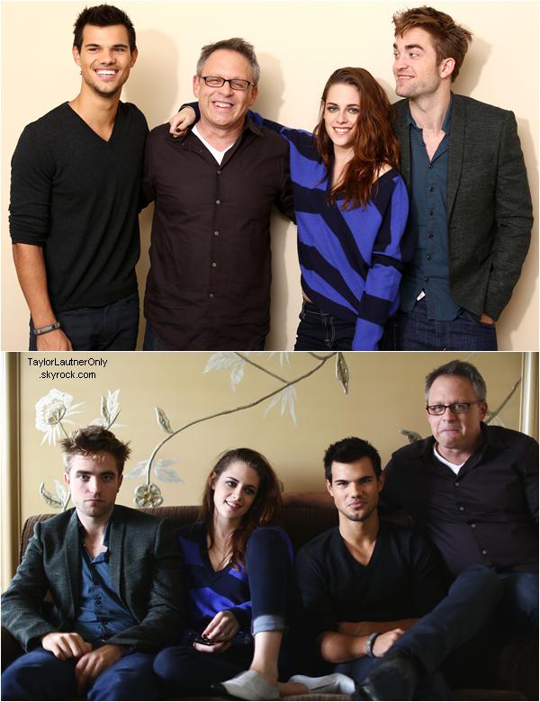 . Taylor ainsi que Kristen, Robert et Bill Condon pendant la promo du dernier Twilight :.