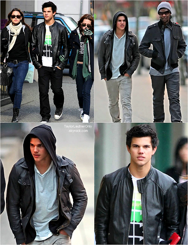 . Avril 2009 : Taylor se balade dans Vancouver alors qu'il tourne le deuxième volet de Twilight :.