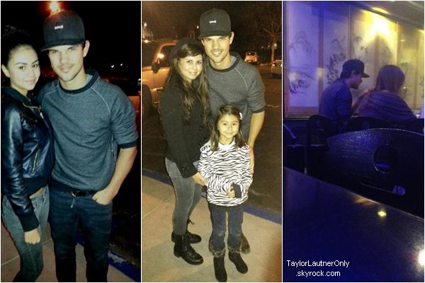 . Des fans ont eu la chance de rencontrer Taylor le 28 janvier dans Los Angeles :.