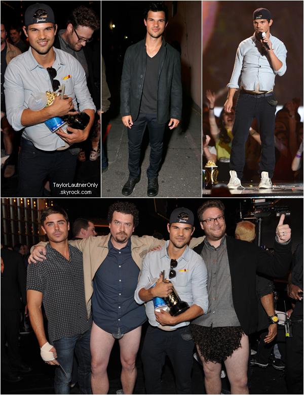 . Taylor était présent aux MTV Movie Awards 2013 qui se sont déroulés le 14 avril : .