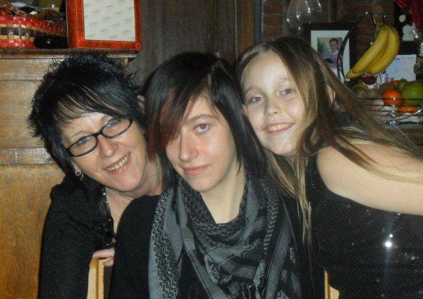 ma maman, ma filleulle et moi