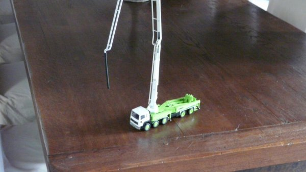 autre vue du camion pompe schwing