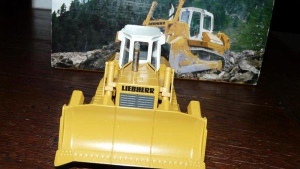nouveautés dans ma collection tp bulldozer 752