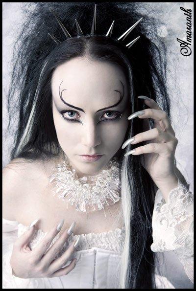 Lady Amaranth (avec une bonne ou mauvaise nouvelle lol)