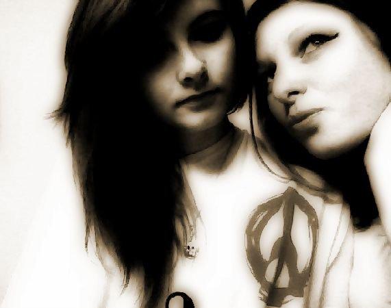 Aurore & Estelle..