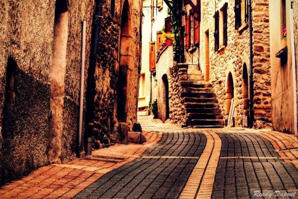 D'une rue à l'autre...je suis mon chemin.. La vie est belle.