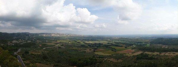 Vue des baux de Provence.