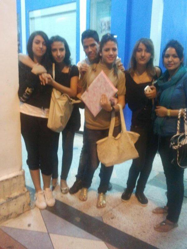 bnat excel we m3ahoum 3niba