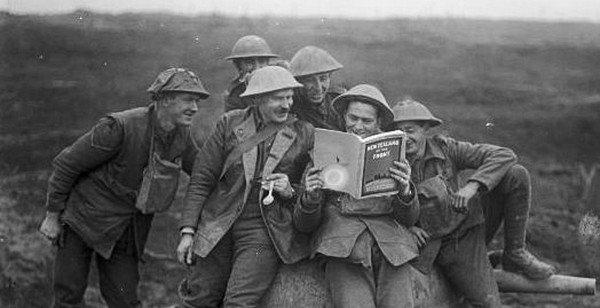 « La lecture commence les yeux fermés. »  Yvon Rivard