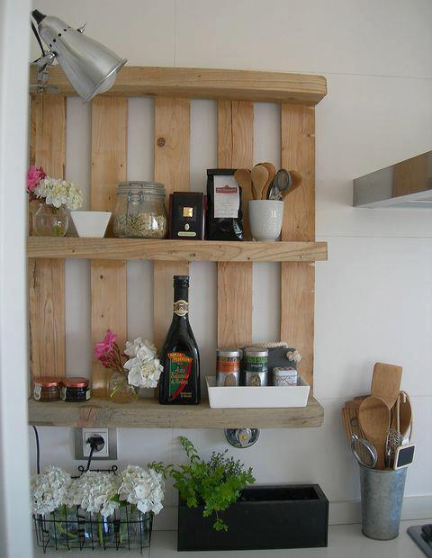 etagere cuisine avec des palettes blog de images idees32. Black Bedroom Furniture Sets. Home Design Ideas