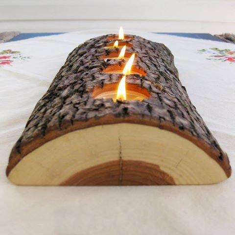 déco ; centre de table en bûche et bougies