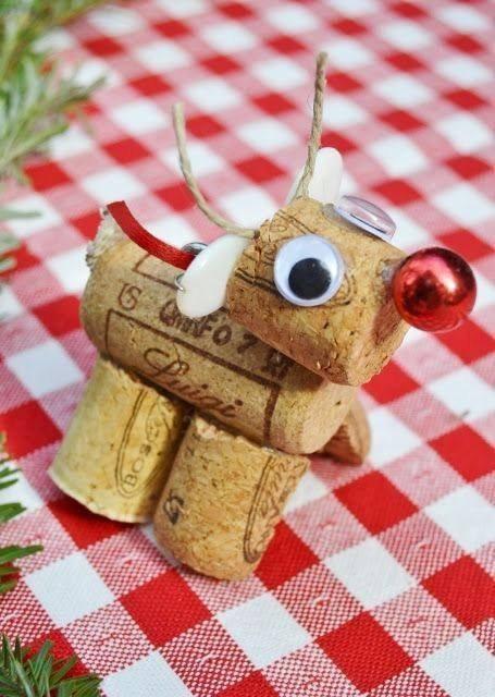 """pour Noel avec des bouchons """"Rudolph le renne """""""