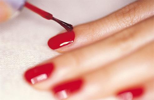 Augmenter la résistance de votre vernis à ongles