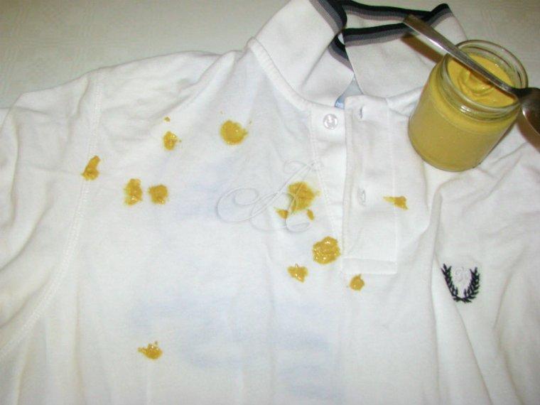 Enlever une tache d'encre avec la moutarde