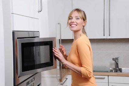 Astuce pour nettoyer son four à micro-ondes