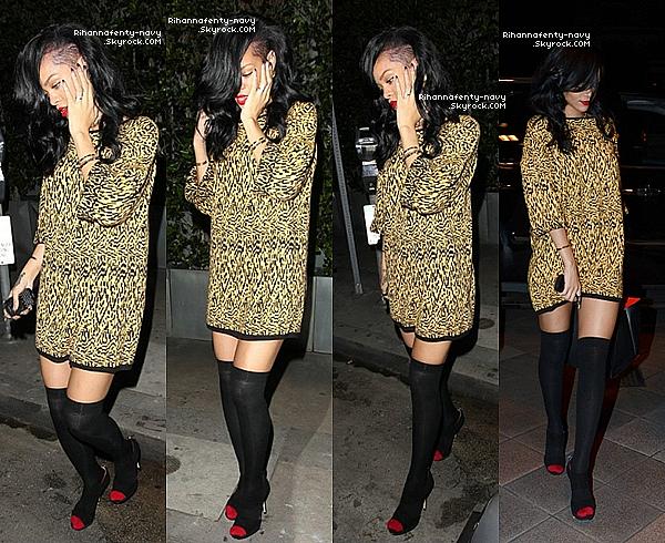 10/04/12 : Rihanna se rendait à un restaurant à Sydney.