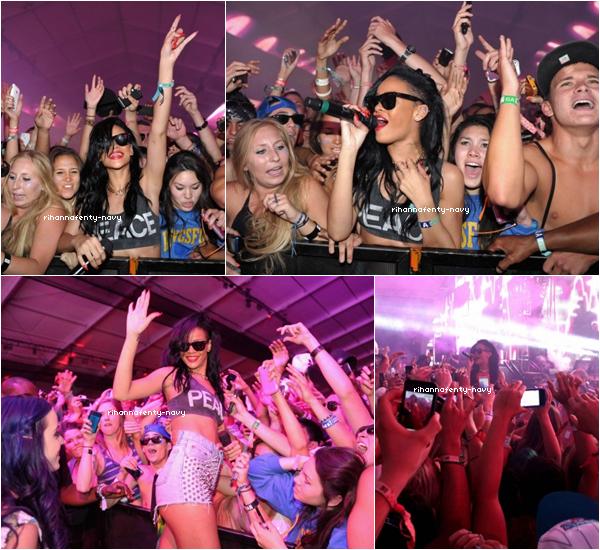 15/04/12 : Rihanna performait aux côtés du DJ Calvin Harris au festival « Coachella » en Californie, ce festival se produit chaque année dans le désert Californien et rassemble des milliers d'amateurs de musique.