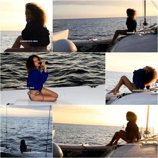 Janvier 2012: Des photos de Rihanna en vacances à Hawaii sont apparues sur sa page Facebook, pour notre plus grand bonheur ♥